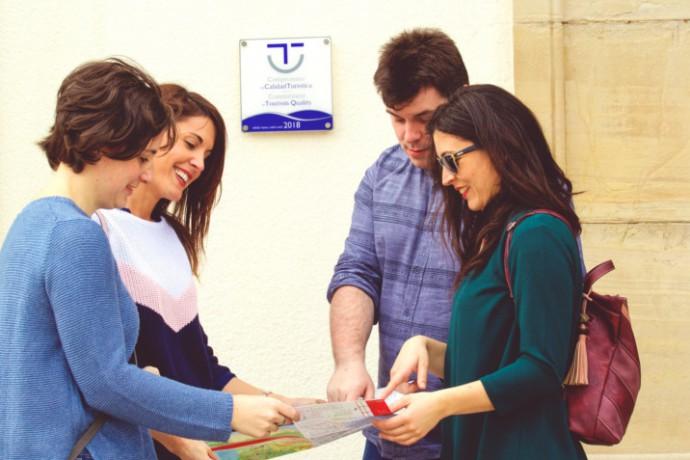 Nuevas empresas de Gijón/Xixón reciben el distintivo Compromiso de Calidad Turística